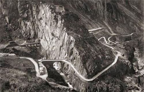 """Khám phá """"cây cầu của quỷ"""" ở Thụy Sĩ - 5"""