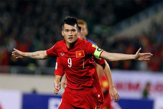 Đội hình 11 cầu thủ Việt Nam từng thi đấu ở nước ngoài - 10