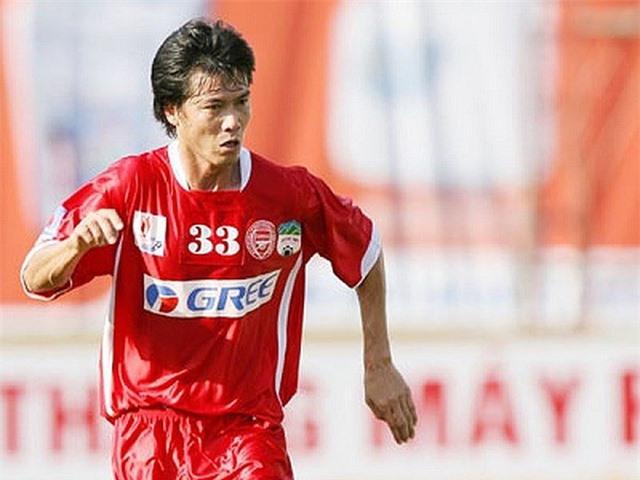 Đội hình 11 cầu thủ Việt Nam từng thi đấu ở nước ngoài - 4