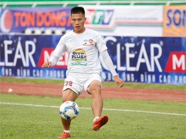 Đội hình 11 cầu thủ Việt Nam từng thi đấu ở nước ngoài - 6