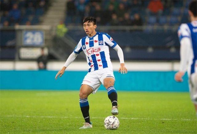 Văn Hậu mong được Heerenveen giữ lại, không về V-League - 1