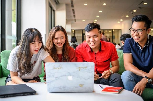 Sinh viên RMIT Việt Nam tại cơ sở Nam Sài Gòn trong giờ học nhóm