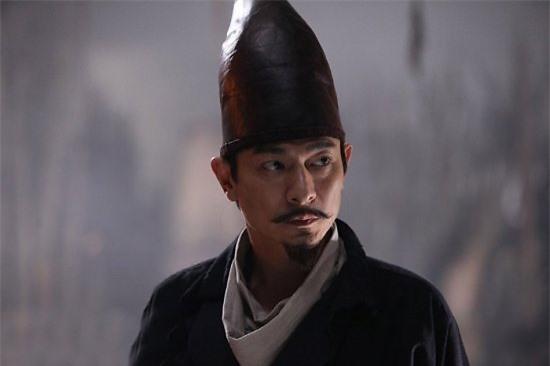 Lưu Đức Hoa vai Địch Nhân Kiệt trong phim Địch Nhân Kiệt thông thiên đế quốc