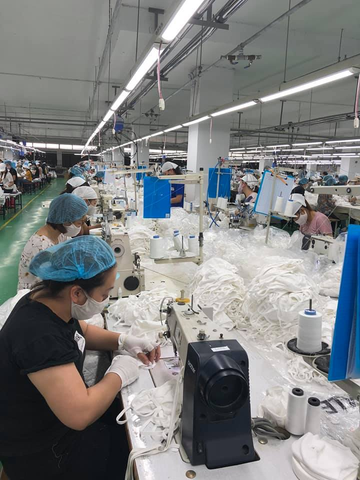 Viet-Italy Garment Joint Stock Company quickly changed to mask production after Vietnam entered the second phase of the anti-epidemic of Covid-19.