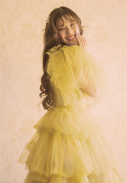 Váy phong cách công chúa phù hợp vẻ trẻ trung và tính cách điệu đà của Hoàng Yến Chibi.