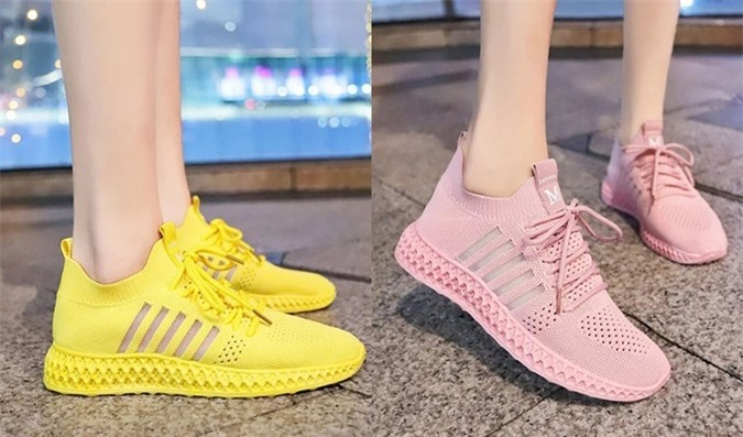 Giày sneaker thời trang có nhiều tông màu cho mọi phong cách thời trang: vàng năng động, hồng nữ tính, đen bụi bặm và trắng khỏe mạnh. Chất liệu đế mềm, có thể uốn cong mà không bị gãy mép. Dây buộc giày co giãn. Thiết kế phù hợp với mọi địa hình di chuyển, có thể dạo phố hay đi biển. Thiết kế bán chạy nhất Store Ngôi Sao nhờ ưu đãi đến 35%, còn 229.000 đồng (giá gốc 350.000 đồng).