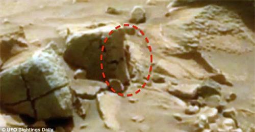 Phát hiện hình ảnh người tí hon trên sao Hỏa - 1