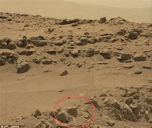 Phát hiện hình ảnh người tí hon trên sao Hỏa - 2