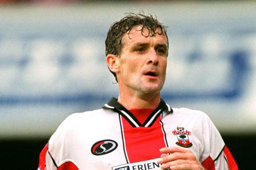 6. Mark Hughes (Southampton, ghi bàn khi 38 tuổi 150 ngày).