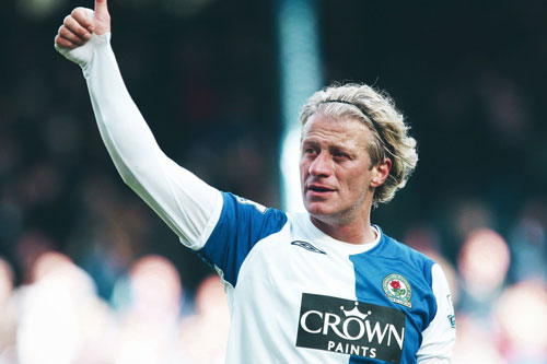 7. Kerimoglu Tugay (Blackburn Rovers, ghi bàn khi 38 tuổi 99 ngày).