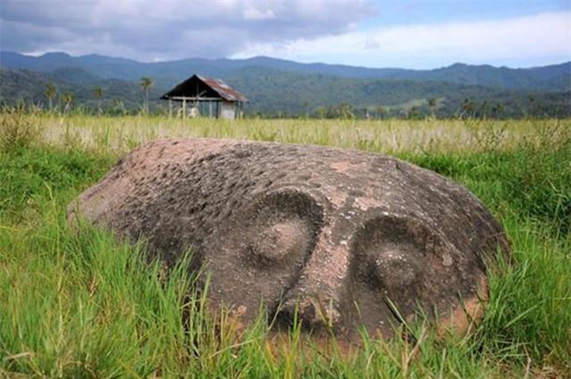 Bí ẩn hàng trăm khối cự thạch ở Indonesia - 2