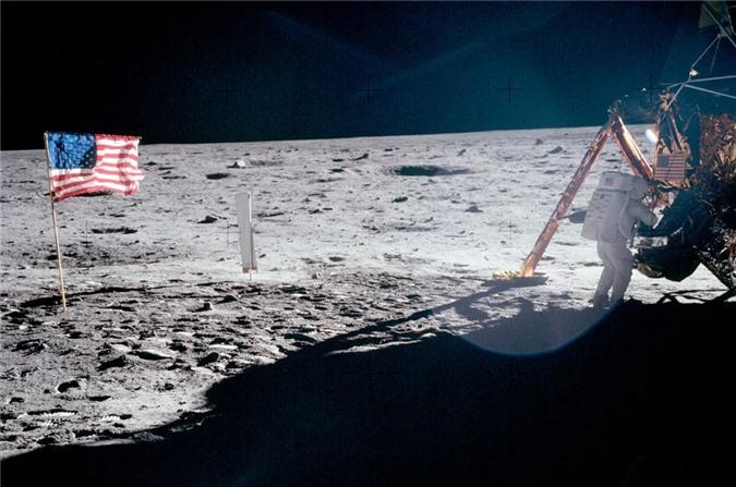 Cuộc đổ bộ Mặt Trăng đầu tiên: Phi hành gia thứ 3 và nỗi ám ảnh suốt đời - 4