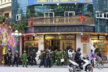 Lực lượng công an đã bắt vợ chồng Nguyễn Xuân Đường và Nguyễn Thị Dương.