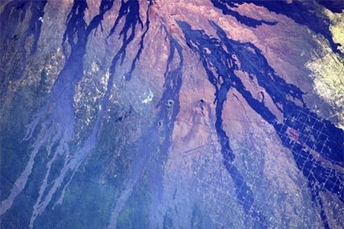 Hình ảnh Trái Đất đẹp tuyệt vời nhìn từ không gian - 1