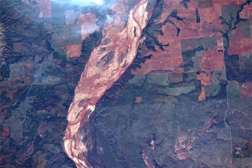 Hình ảnh Trái Đất đẹp tuyệt vời nhìn từ không gian - 4