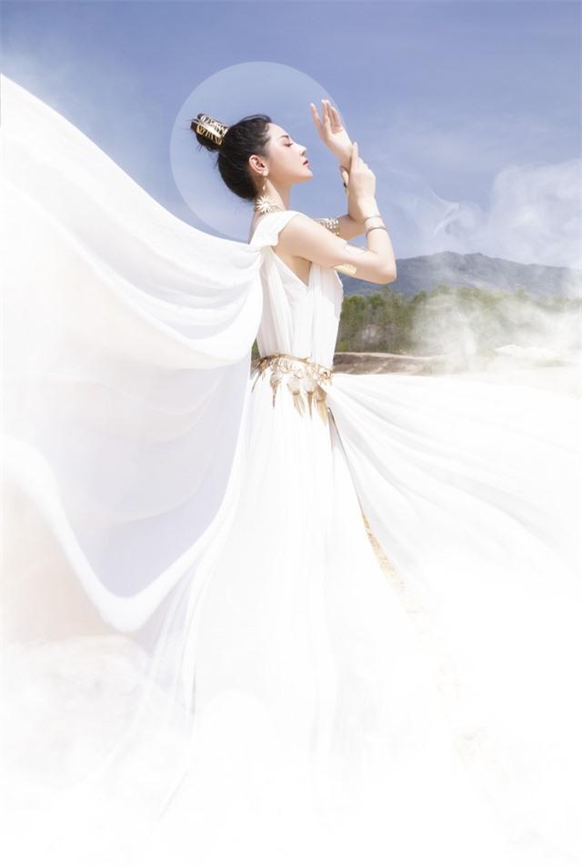 Người đẹp Triệu Hà Vy đẹp thoát tục trong bộ ảnh hóa thân nữ thần - 5