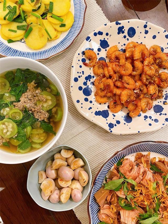 Hà Tăng khiến nhiều người xuýt xoa khi nửa đêm nấu ăn phục vụ hai nhóc tỳ - 7