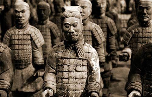 Đội quân đất nung trong hầm mộ của Tần Thủy Hoàng.