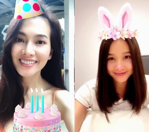 Dương Mỹ Linh cho biết, cô chọn 'giờ đẹp' để gọi video mừng sinh nhật Anh Thư. Cả hai trò chuyện hồi lâu. Con trai của Anh Thư là bé Tiểu Long cũng tham gia 'bữa tiệc trực tuyến'.
