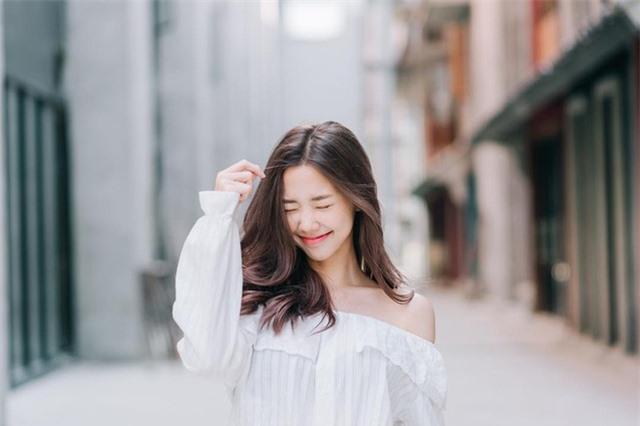 Nụ cười tỏa nắng của hot girl Thái Lan hút nửa triệu fan trên mạng xã hội - 2