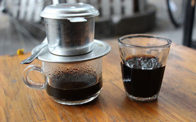 Không uống cà phê đen vào buổi sáng