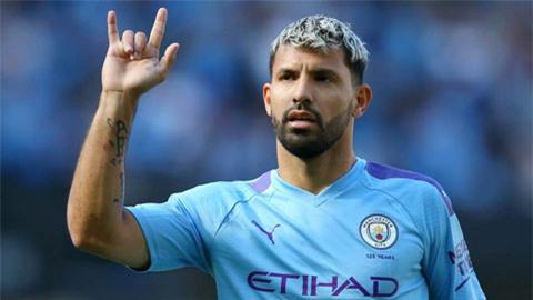 Aguero ở lại Man City tới khi vô địch Champions League và giành Quả bóng vàng