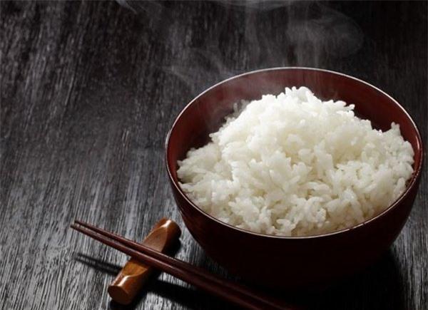 5 thực phẩm không nên hâm nóng lại để ăn vì dễ tạo độc tố - 2