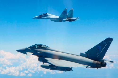 Các chiến đấu cơ của Anh đã nhận lệnh đánh chặn máy bay tuần tra săn ngầm Nga. Ảnh: Avia-pro.