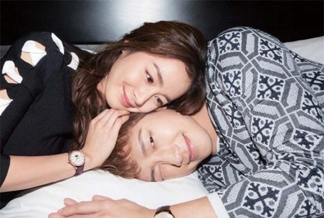 Kim Tae Hee lần đầu chia sẻ về 3 năm làm vợ Bi (Rain) - 1