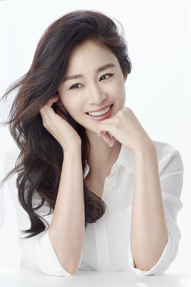 Kim Tae Hee lần đầu chia sẻ về 3 năm làm vợ Bi (Rain) - 6