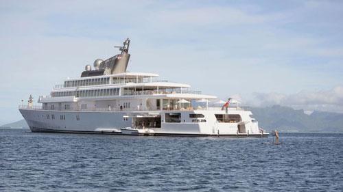 Luxury Yacht Group - một công ty chuyên cung cấp các dịch vụ du thuyền xa xỉ - chia sẻ với CNN rằng họ ghi nhận một vài khách hàng thượng lưu đã thuê đội ngũ nhân viên của công ty này để phục vụ trên các du thuyền tư nhân. Ảnh: CNN.
