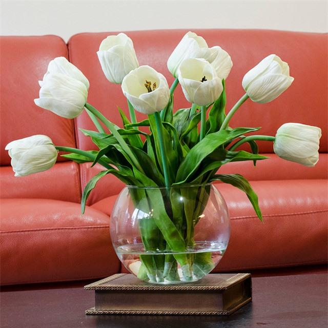3 loại hoa phá vỡ phong thủy nên kiêng trong nhà - 3