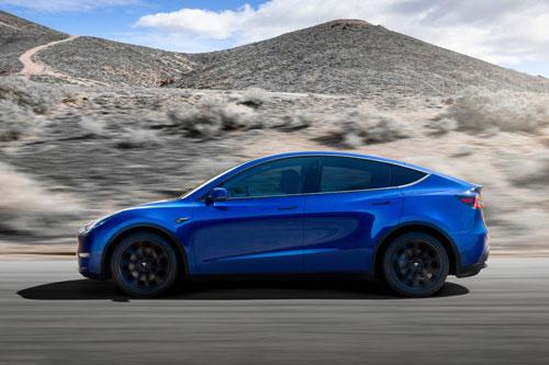 4. Tesla Model Y 2020 (quãng đường di chuyển/lần sạc: 507 km).