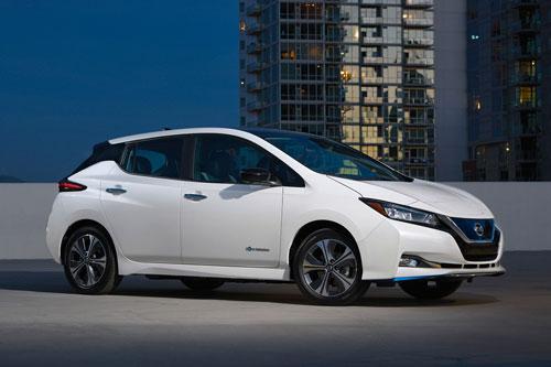 9. Nissan Leaf Plus 2020 (quãng đường di chuyển/lần sạc: 364 km).