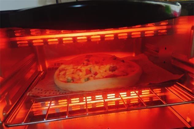 làm pizza tại nhà 6