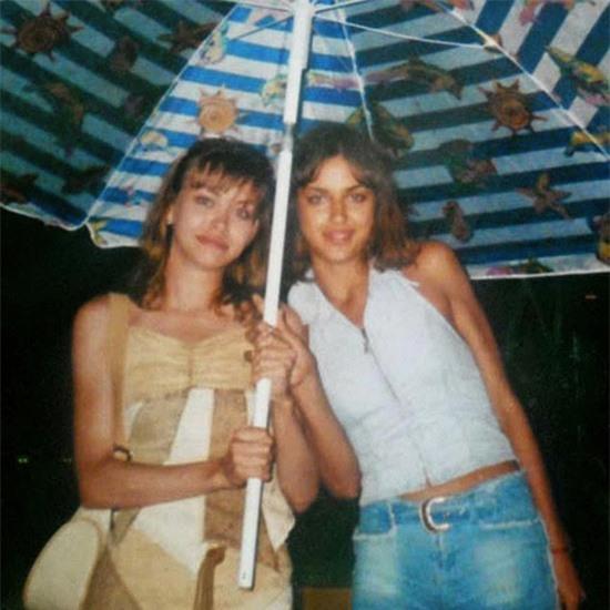 Trong một lần đi cùng chị gái tới trường học làm đẹp, Irina đã được một nhân viên của công ty người mẫu khám phá ra tài năng khi thấy cô có gương mặt cá tính và vóc dáng chuẩn.