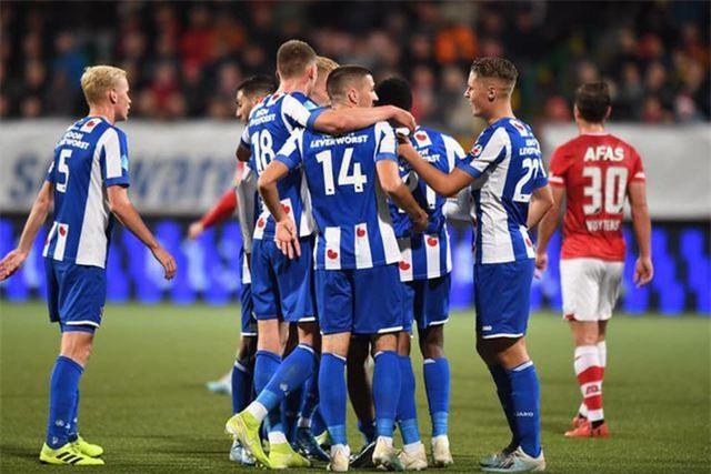 Khác với Ajax hay PSV, Heerenveen đứng trước nguy cơ phá sản - 1
