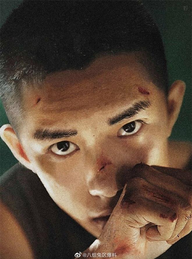 Ngô Diệc Phàm, Dương Dương vẫn đẹp trai khi cắt đầu đinh kén mặt - Ảnh 7