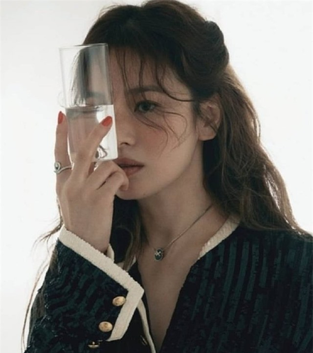 Song Hye Kyo mơ hồ hé lộ nguyên nhân chia tay Song Joong Ki - 3