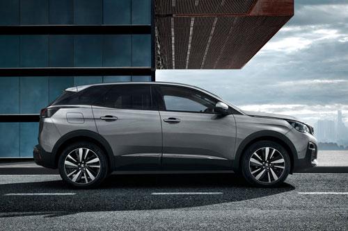 5. Peugeot 3008 (doanh số: 800 chiếc).