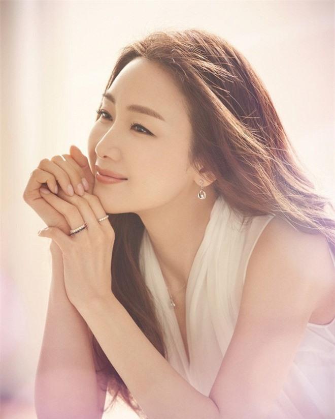 'Bộ tứ nữ thần' series phim Bốn Mùa xứ Hàn: Ai cũng lận đận tình duyên, chỉ mỗi Choi Ji Woo viên mãn 21