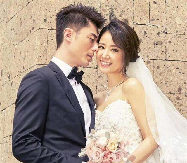 """Hoắc Kiến Hoa đập tan tin đồn bị """"ép cưới"""" sau 4 năm kết hôn - 1"""