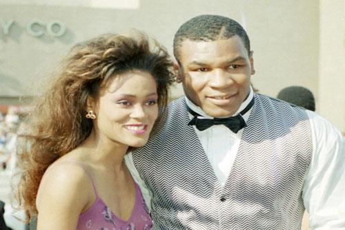 Mike Tyson và Robin Givens thuở còn mặn nồng.