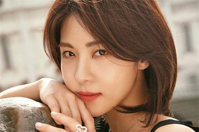 """10 mỹ nhân xứ Hàn """"có tuổi"""" vẫn chưa chịu kết hôn - 1"""
