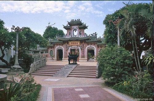 Hội quán Phúc Kiến, theo tác giả bộ ảnh, ông là du khách duy nhất ghé thăm Hội An vào thời điểm đó.