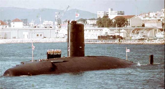 Cuộc trốn chạy thót tim của tàu ngầm Anh sau cú va chạm khủng khiếp với tàu ngầm Liên Xô: Cái kết bất ngờ - Ảnh 2.