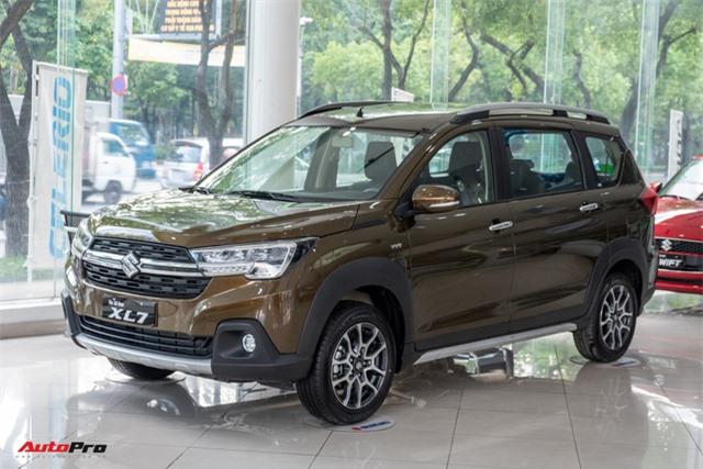 Đánh giá nhanh Suzuki XL7 giá 589 triệu đồng vừa về đại lý - Bản vá thức thời của Ertiga để đấu Mitsubishi Xpander - Ảnh 2.