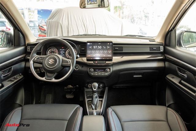 Đánh giá nhanh Suzuki XL7 giá 589 triệu đồng vừa về đại lý - Bản vá thức thời của Ertiga để đấu Mitsubishi Xpander - Ảnh 8.