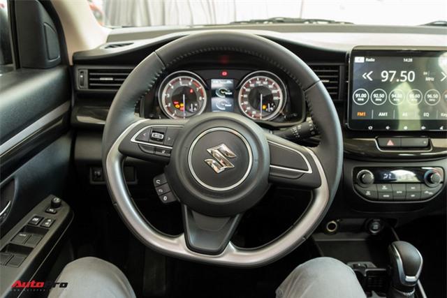 Đánh giá nhanh Suzuki XL7 giá 589 triệu đồng vừa về đại lý - Bản vá thức thời của Ertiga để đấu Mitsubishi Xpander - Ảnh 10.
