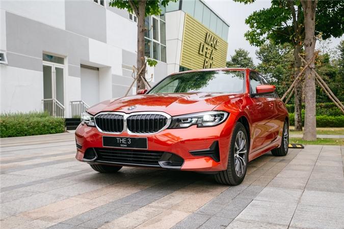 Duoi 2 ty, chon Mercedes-Benz C 200 Exclusive hay BMW 320i Sport Line? hinh anh 1 BMW_320i_Sport_Line_NO_WM_7469.jpg